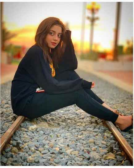 image 0 compressed - Alizeh Shah - Boyfriend, Age, Dramas, Pictures, Family - biography-latest