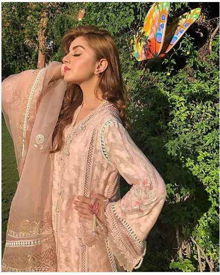 image 4 compressed - Alizeh Shah - Boyfriend, Age, Dramas, Pictures, Family - biography-latest