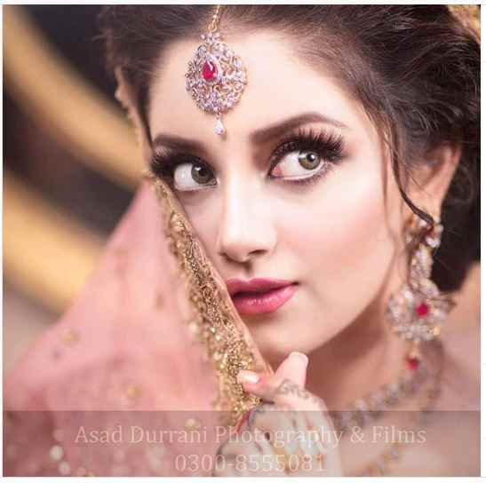 image 6 compressed - Alizeh Shah - Boyfriend, Age, Dramas, Pictures, Family - biography-latest